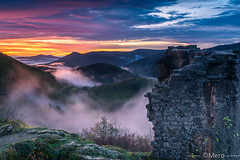 Chateau du matin (Nu Mero) Tags: coucherdesoleil brouillard bilstein paysage chateaux montagne valléedevillé nature brume leverdesoleil sunrise sunset urbeis basrhin france