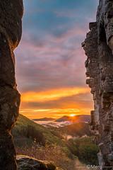 Bilstein (Nu Mero) Tags: hdr paysage montagne brouillard nature coucherdesoleil bilstein chateaux valléedevillé brume leverdesoleil sunrise sunset