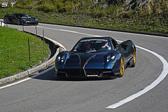 *NEW* Pagani Huayra Roadster (Samuele Trevisanello) Tags: pagani huayra roadster supercars owners circle supercarsownerscircle 2019 andermatt swiss alps paganihurayra huayraroadster gold wheels blue black full carbon italian style s carfotobyst fotobyst mclarencar p1 amazing incredible oberhall pass soc supercar car cars hypercar carspotting carspot