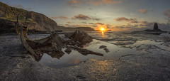 Saltwick (metrisk) Tags: northyorkshire saltwickbay admiralvontromp shipwreck saltwick whitby saltwicknab blacknab seascape sunset