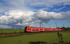 Wolkenstimmungen (11) (Klaus Z.) Tags: eisenbahn kbs 395 gandersum ostfriesland br 111 personenzug re db regio wolken herbst