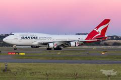 VH-OEH QF B747 16R YSSY-8457 (A u s s i e P o m m) Tags: sydney newsouthwales australia qantas qf boeing b747 syd yssy sydneyairport dawn sunrise