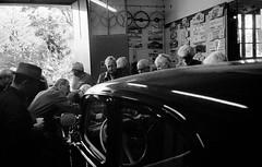 OLYMPUS AF1 SUPER Fujicolor Supéria 200 Périmée (Leinik) Tags: olympus af1 super fujicolor supéria 200 périmée collection ancienne car cars voiture traction citroën coche wagen collectable