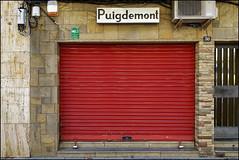 Tancat   Blanes, Catalonia (Flemming J. Gade) Tags: tancat closed shop puigdemont goldsmith blanes catalonia llibertat
