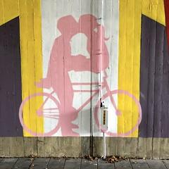 Streetart under the bridge @ Oude Baan Leuven (Kristel Van Loock) Tags: tom cech tomcech streetartisttomcech leuven oudebaan oudebaanleuven streetart streetartproject komopvoorjewijk opmaatvanonzestraat louvain lovanio lovaina löwen loveleuven leuvencity leuveninbeeld leveninleuven atleuven visitleuven seemyleuven iloveleuven vlaanderen vlaamsbrabant flanders fiandre flandre flemishbrabant brabantflamand brabantefiammingo visitvlaanderen visitflemishbrabant visitbelgium visitvlaamsbrabant urbanart arturbain artwork muralart brugoudebaan brug bridge belgium belgique belgien belgië colorfulstreetart colorful leuvenleeft streetartprojectopmaatvanonzestraat visitflanders