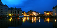 Blue hour in Alesund (Manuel Chagas) Tags: alesund norway blue fjord manuelchagas olympus zuiko mzuiko omd em1 olympusem1 olympus1240f28 mzuiko1240f28 mft m43 microfourthirds harbour cod fish boat house mirror watermirror