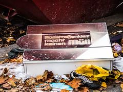 20191019-069 (sulamith.sallmann) Tags: zeichen abfall berlin deutschland europa mitte müll schrift spruch symbol text trash typo umwelt wedding sulamithsallmann