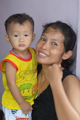 mother and son (the foreign photographer - ฝรั่งถ่) Tags: mother son child woman khlong thanon portraits bangkhen bangkok thailand nikon d3200