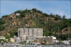 View from Port de Blanes to Castell de Sant Joan   Blanes, Catalonia (Flemming J. Gade) Tags: castle castelldesanjoan hill houses portdeblanes blanes catalonia