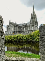 the church of birr, county offaly (citizensunshine) Tags: ireland ie eire offaly countyoffaly birr church churchyard river stream brook camcor camcorriver stbrendanschurch stbrendans gothic