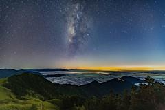 合歡山主峰~銀河雲海~  Milky way on clouds (Shang-fu Dai) Tags: 台灣 taiwan 南投 sonya7r2 sky landscape formosa galaxy 銀河 星空 3417m 主峰 戶外 雲 天空 milkyway 合歡山 mthehuan happyplanet asiafavorites