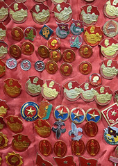 Communist Pins (peterkelly) Tags: digital canon 6d asia southeastasia indochinaencompassed gadventures vietnam saigon hochiminhcity pins pin armysurplus shop store red encarnado communist lenin communism cross star