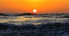 IMG_0035x (gzammarchi) Tags: italia paesaggio natura mare ravenna lidodidante alba sole riflesso onda