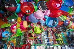 (kuuan) Tags: plastic kitchenware voigtländerheliarf4515mm manualfocus mf voigtländer15mm aspherical f4515mm superwideheliar apsc sonynex5n saigon hcmc vietnam street market