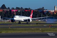 VH-ZNI QF B789 16R YSSY-8598 (A u s s i e P o m m) Tags: sydney australia newsouthwales boeing syd qantas qf b789 qf7879 sydneyairport yssy