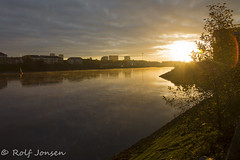 Morning time at the Clyde (rjonsen) Tags: clyde river sunrise sun clouds morning time water backlit scotland alba