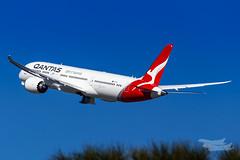 VH-ZNI QF B789 16R YSSY-8695 (A u s s i e P o m m) Tags: sydney newsouthwales australia qantas qf boeing b789 qf7879 syd yssy sydneyairport