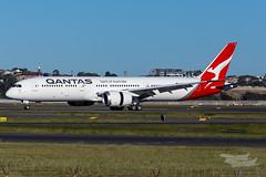VH-ZNI QF B789 16R YSSY-8614 (A u s s i e P o m m) Tags: sydney australia newsouthwales boeing qantas qf b789 qf7879 syd sydneyairport yssy