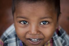 Happy face (Karthikeyan.Chinnathamby) Tags: karthikeyan chinnathamby chinna canon canon5d canon5dmarkiii kid child people smile happy happiness closeup street travel india westbengal kolkata beautiful beauty cwc742 cwc chennaiweekendclickers 24105 pose posing