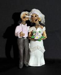 Novios Skeleton Couple Oaxaca Mexico Pottery (Teyacapan) Tags: leticiagarciaaguilar oaxacan crafts folkart artesanias novios brides pottery