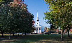 1st Congregational Church on the Green (Bob Gundersen) Tags: building church connecticut connecticutscenes country ct green guilford gundersen nikon places scenes shoreline shots town towngreen firstcongregationalchurch 1stcongregationalchurch guilfordgreen image picture interesting old historical congregational bobgundersen newengland landscape white blue catchycolors robertgundersen day usa photo monument whitechurch nationalregistryofhistoricplaces nationalregisterofhistoricplaces nikoncamera flickr conn christian skyline exterior outside outdoor nikond850 d850 foliage fall ©bobgundersen
