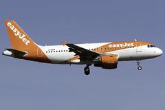 easyJet A319 G-EZIW at Gatwick Airport LGW/EGKK (dan89876) Tags: easyjet uk airbus a319 a319100 a319111 geziw london gatwick international airport landing runway 08r arrival lgw egkk