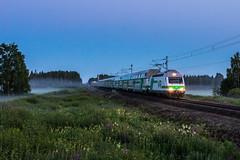 InterCity 265 (Arttu Uusitalo) Tags: vr finnishrailways electric locomotive sr2 intercity ic ic265 summer night south ostrobothnia finland jalasjärvi misty foggy canon eos 5d mkiv clear sky