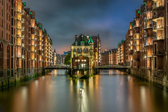 Speicherstadt (Cyclase) Tags: water waterfront harbour hafen monochrome bw illuminated sunset night city outside outdoor cityscape deutschland germany hamburg sonnenuntergang stadt sw himmel sky clouds wolken brücke bridge blackanwhite wasser
