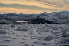 Loch Etchachan from Cairngorm (Beth at The Hug) Tags: snow winter scotland cairngorms mountain lochetchachan