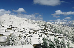 SWITZERLAND - Bettmeralp and ski slopes (Jacques Rollet (Little Available)) Tags: mountain montagne winter snow neige ski village alps switzerland groupenuagesetciel