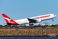 VH-EFR QF B763F 16R YSSY-8797 (A u s s i e P o m m) Tags: sydney newsouthwales australia qantas qf qantasfreight sydneyairport syd yssy boeing b763f