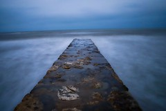 The breakwater 🌊 ⚓️ (Manupastor43) Tags: waves summer sea infinite nd1000 longexposure picoftheday cloudy blue water canon ngc