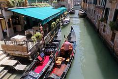 Venice, Italy (wildhareuk) Tags: canon canoneos500d italy restaurant tamron18270mm venice venice2019 canal gondola gondolier tamron img9920dxo