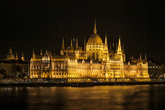 Golden House (karsten1605) Tags: canon eos hungary mark budapest parliament ii 5d duna parlament ungarn danube donau 70mm