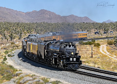 The Hunt for Black October - More from Day 1 (GRNDMND) Tags: trains railroads unionpacific up lasl steam locomotive heritage 4884 bigboy 4014 mojavenationalpreserve cima california