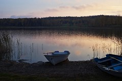 Impression (Stefano Rugolo) Tags: stefanorugolo pentax k5 pentaxk5 kmount kepcorautowideanglemc28mm128 impression sunset lake boat water reeds sky landscape sweden hälsingland reflection peaceful