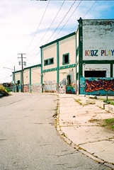 047400-R1-051-24 (elsuperbob) Tags: detroit michigan southwestdetroit graffiti detroitgraffiti streetart emptyspaces emptystreets abandoned forgotten yashicamicroteczoom70 kodakproimage100 kodak proimage100