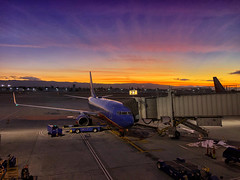 Flying since the Beginning (/\ltus) Tags: norcal sanjose sjc sunset southwestairlines california flying jet 737 hdr iphone iphonex