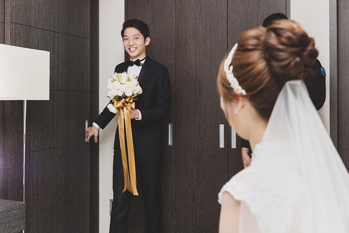 台北婚攝,婚攝作品,婚禮攝影,婚禮紀錄,台北文華東方,證婚,拜別,迎娶,中式婚禮服飾,類婚紗,wedding photos