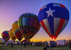 Morning ascension (Mark Chandler Photography) Tags: 2019 7dmarkii albuquerque albuquerqueinternationalballoonfiesta hotairballoons markchandler nm newmexico october pattern balloons canon color colour festival fiesta photo photograhy sky stock