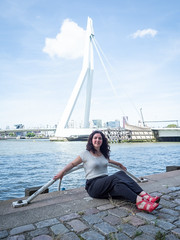 Laura, Rotterdam 2019: Curves (mdiepraam) Tags: laura rotterdam 2019 wilhelminapier portrait pretty attractive beautiful elegant classy gorgeous dutch brunette girl woman lady naturalglamour curls skirt sandals river maas bridge erasmusbrug sky clouds