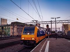 NSR 186 015 als IC trein @ Eindhoven Station (Avinash Chotkan) Tags: akiem br186 traxx bombardier ns