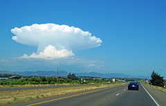 Well, that's some cloud! (SomePhotosTakenByMe) Tags: cloud wolke usa america amerika unitedstates outdoor california kalifornien ontheroad auto car