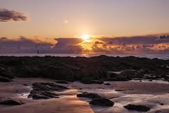 Coucher nuageux (marine Gibot) Tags: sunset coucherdesoleil couleurs plage mer sea seascape water eau roche roc paysage sun soleil nuage clouds mothernature