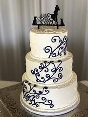 IMG_7467 (backhomebakerytx) Tags: backhomebakery back home bakery wedding bride brides swirl three tier texasbride