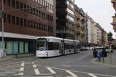 262, Munchener Strasse, Frankfurt, October 28th 2017 (Southsea_Matt) Tags: 262 route12 stype vgf tram metro lightrail munchenerstrasse frankfurt germany october 2017 autumn canon 80d transport vehicle railway railroad