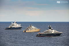 Octopus - 126,2m - Lurssen & Here Comes The Sun - 83m - Amels & Tranquility - 91,5m - Oceanco (Raphaël Belly Photography) Tags: rb raphaël raphael belly photographie photography yacht boat bateau superyacht my yachts ship ships vessel vessels sea motor mer m meters meter octopus 126m 126 lurssen lürssen white blanc blanche bianca bianco bleu bleue blue imo 1007213 mmsi 319866000 here comes the sun 83m 83 amels crème cream beige jaune yellow 1012414 319105500 tranquility equanimity 91m 92 oceanco 1012086 319059800
