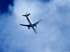 En la nubes (Luicabe) Tags: enazamorado luicabe vuelo airelibre exterior yarat1 cielo luis avión paisaje cabello portugal zamora aparato nube zoom ngc