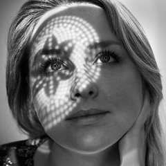 (Magdalena Roeseler) Tags: erste wahl woman girl beautiful face eyes pattern shadow light bw sw monochrome black white blackandwhite olympus omdem1 markii zuiko 45mm