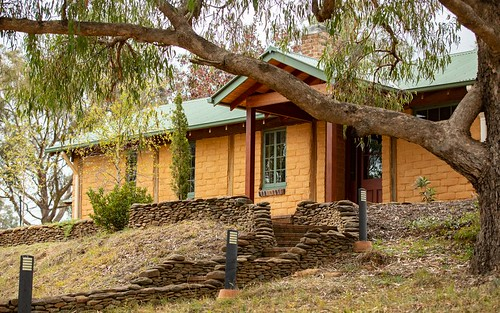 36 Kirby Road, Armidale NSW 2350